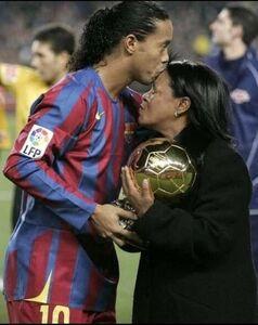 درگذشت مادر اسطوره فوتبال برزیل به خاطر کرونا