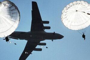 رزمایش بزرگ ارتش روسیه در کریمه با مشارکت 3 هزار نیروی هوابرد - کراپشده