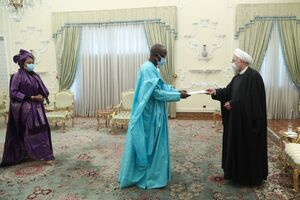 دریافت استوارنامه سفیر جدید سنگال