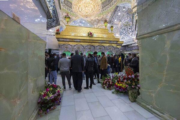 حرم امام حسین(ع) گلباران شد +عکس
