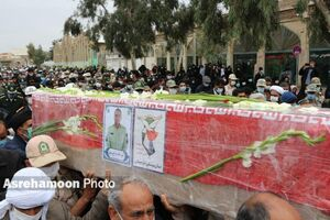 عکس/ وداع مردم زاهدان با شهید مدافع وطن