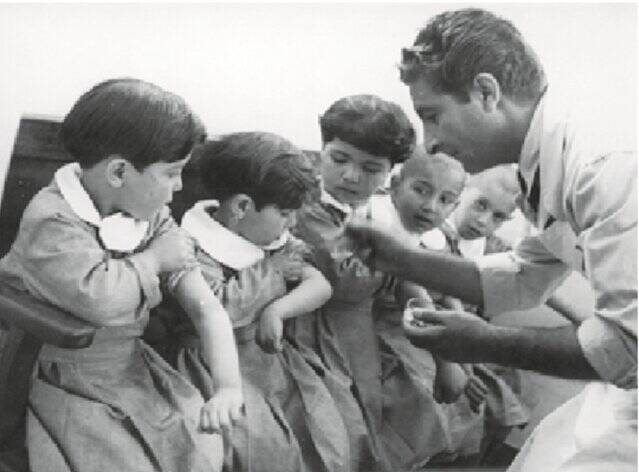 عملیات ۱۲ ساعته تزریق واکسن در ایران