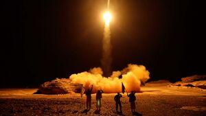 انتشار نخستین تصویر از اصابت موشک یمنی به شهر ریاض +عکس و فیلم