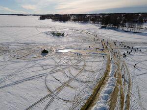 عکس/ ساخت بزرگترین گردونه یخی جهان