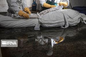 عکس/ خاکسپاری فوتیهای کرونا در آرامستان اهواز