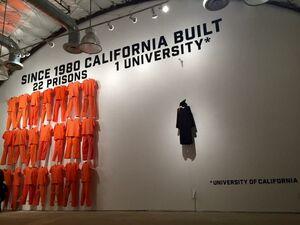 عکس/ اثر اعتراضی برای ساخت ۲۲ زندان در برابر ۱ دانشگاه