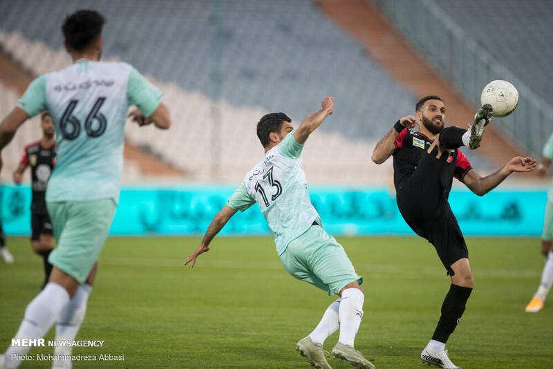 دیدار تیم های فوتبال پرسپولیس تهران و سایپا