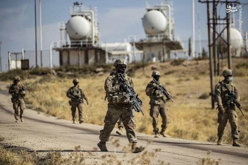 درآمد چند میلیون تروریستها از سرقت نفت سوریه / خسارت 90 میلیارد دلاری صنعت نفتی سوریه از زمان آغاز جنگ