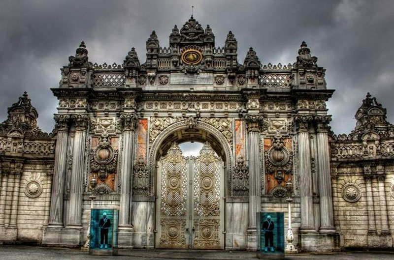 کاخ دلما باغچه، تاریخ گردی در تور استانبول