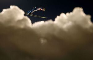 عکس/ پرش دیدنی یک اسکی باز