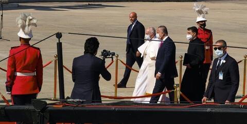 فیلم/ استقبال مردم عراق از پاپ