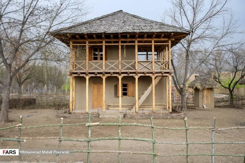 روستای خزری گیلان در پارک ملی ایران کوچک به مساحت 1600 متر مربع