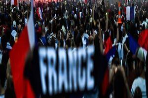 تظاهرات در پاریس علیه محدودیتهای کرونایی - کراپشده