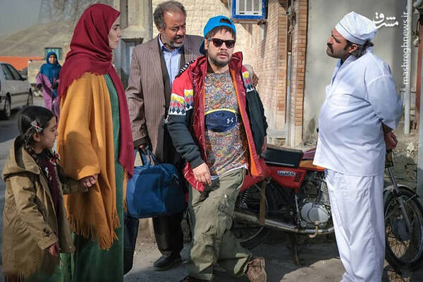 علی صادقی: به جای دستمزد به من فحش میدهند