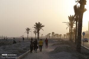عکس/ گرد و خاک در مناطق ساحلی بندرعباس