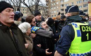 عکس/ اعتراض سوئدیها علیه محدودیتهای کرونایی