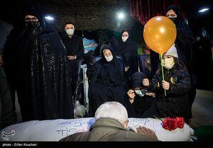 عکس/ وداع با پیکر شهید بیرجند بیکمحمدی در معراج شهدا