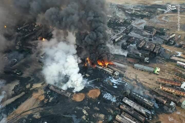 تصویر هوایی از حمله موشکی به گذرگاه قاچاق نفت الحمران سوریه