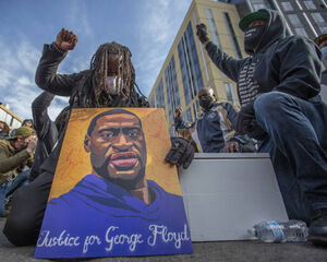 عکس/ راهپیمایی هزاران نفری در آستانه محاکمه قاتل «جورج فلوید»