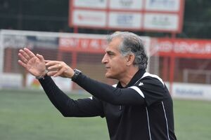 هاشمیمقدم: کمالوندعاشق فوتبال است/استقلال برابر فولاد مشکل بزرگی داشت