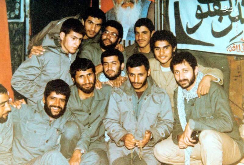 شهید «حاج محمدابراهیم همت» در کنار شهید عباس کریمی