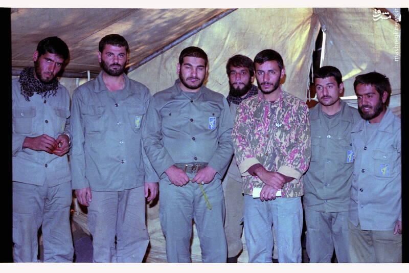 شهید «حاج محمدابراهیم همت» در کنار شهیدان اکبر حاجی پور و ابراهیم علی معصومی