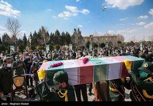 عکس/ خاکسپاری شهید گمنام در بهداری نیروی زمینی سپاه