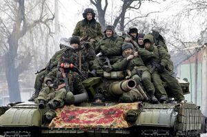 نقل و انتقالات گسترده نظامی در منطقه دونباس / احتمال درگیری جدید میان روسیه و اوکراین بر سر بحران آب در کریمه +فیلم و تصاویر