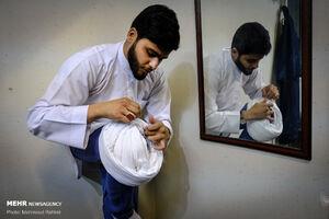 برگزاری مراسم عمامه گذاری در حوزه علمیه امام خمینی (ره)