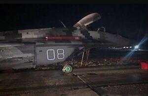 عکس/تصادف میگ 29 با خودرو در اوکراین