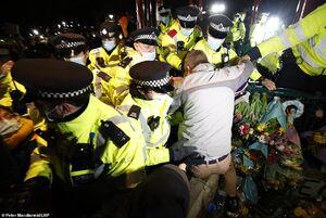 فیلم/ جنجال در لندن بعد از قتل زن جوان توسط پلیس
