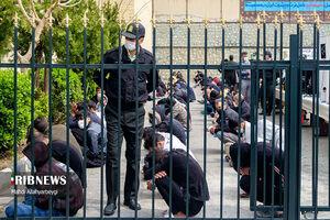 دستگیری خفتگیر سبیلو با چادر+عکس
