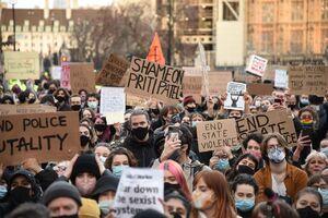 اعتراض انگلیسیها به قتل زن جوان توسط پلیس لندن