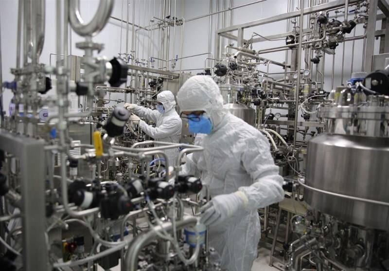 موفقیت ۱۰۰درصدی واکسن در فاز اول/ محرز: واکسن ایرانی کرونا، از امنترین واکسنهای تولیدشده در جهان است +عکس