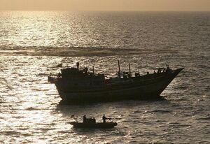 فیلم/ لحظه فرار وزرای دولت هادی به وسیله قایق!