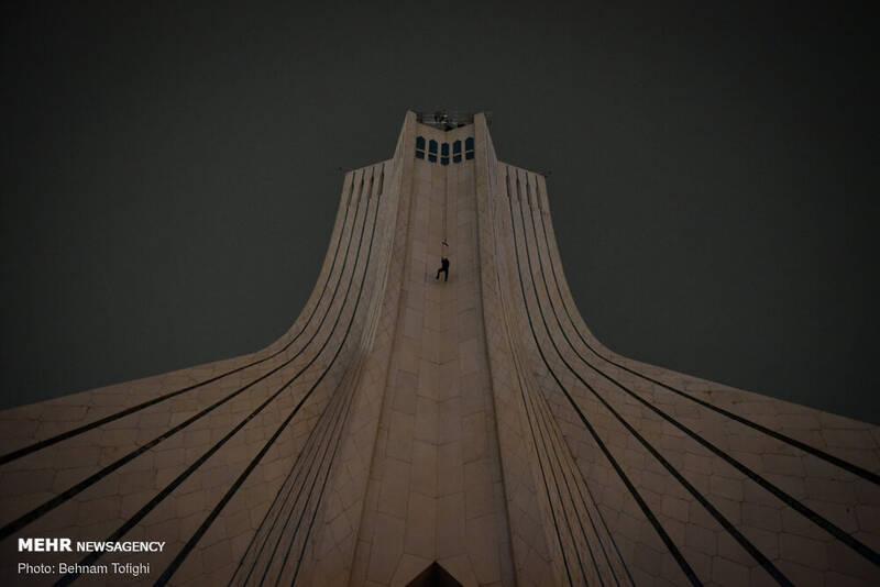 «دیوار آسمان» به برج آزادی رسی