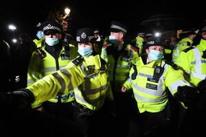 دستگیری ۱۸ هوادار انگلیسی فوتبال+ فیلم