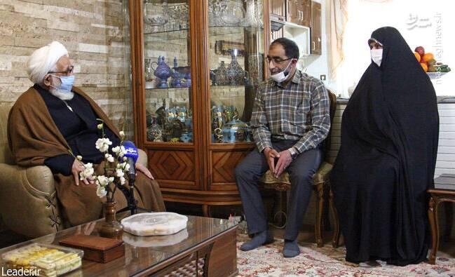 حضور نمایندگان رهبر انقلاب در منازل تعدادی از جانبازان +عکس