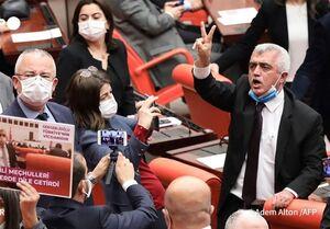 ترکیه یک نماینده اخراجی پارلمان را بازداشت کرد