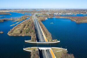 عکس/ خاصترین پل آبی هلند