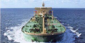 خلع پرچم ۲ نفتکش به خاطر حمل نفت ایران