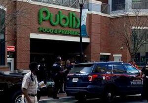 ورود یک مرد به سوپرمارکتی در آمریکا با ۵ اسلحه و جلیقه ضدگلوله!