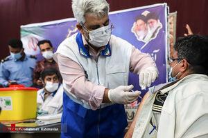 عکس/ واکسیناسیون کارکنان آرامستانهای اهواز