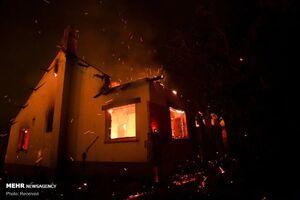آتش سوزی انبار چوب در اصفهان