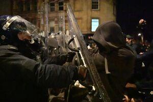 گسترش دامنه اعتراضها به افزایش قدرت پلیس انگلیس +عکس