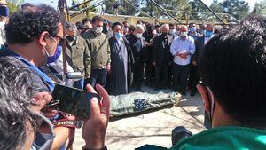 عکس/ اقامه نماز بر پیکر مرحومه آزاده نامداری