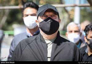 عکس/ مسعود روشن پژوه در مراسم تشییع مرحومه آزاده نامداری