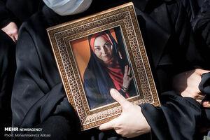 برگزاری مراسم یادبود آزاده نامداری با حضور مردم +فیلم و عکس