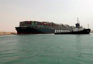 فیلم/ کشتیهای صف کشیده در کانال سوئز