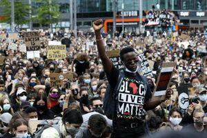 انتقاد از گزارش نژادپرستی در انگلیس
